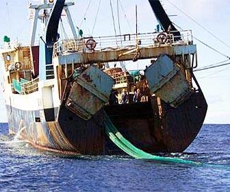Barcos de pesca arrastreros