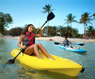 Kayak autovaciable sit on top