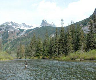 Pesca en el rio Skeena, British Columbia