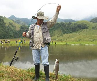 Pesca en la Laguna del Otún Colombia