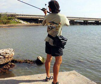 Pescando con riñonera de pesca
