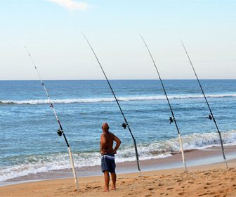 Pescar con cañas de surfcasting