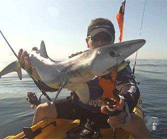 Pescar tintoreras en alta mar con kayak